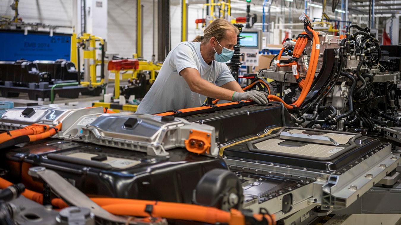 Volvo Cars verdreifacht Produktionskapazität für elektrifizierte Fahrzeuge in Gent
