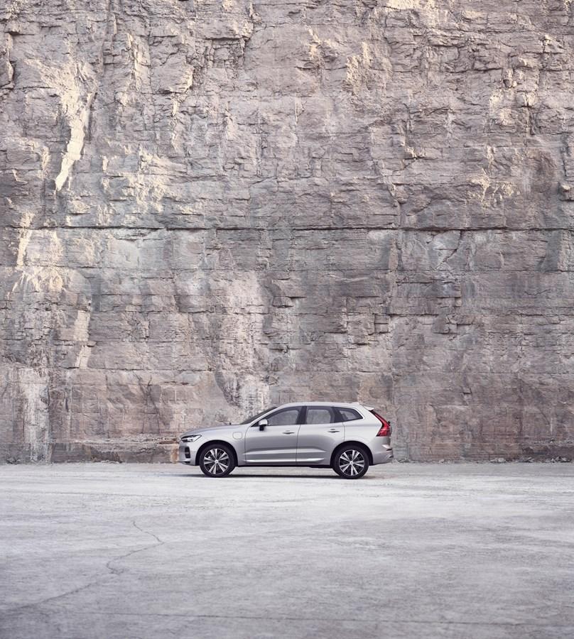 Bestseller XC60 von Volvo Cars jetzt intelligenter als je zuvor