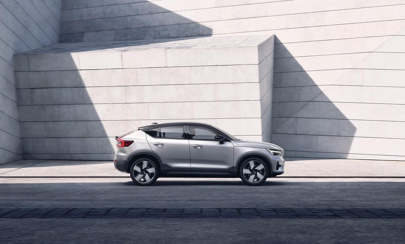 Volvo Cars öffnet Auftragsbücher für den neuen, vollelektrischen C40 Recharge