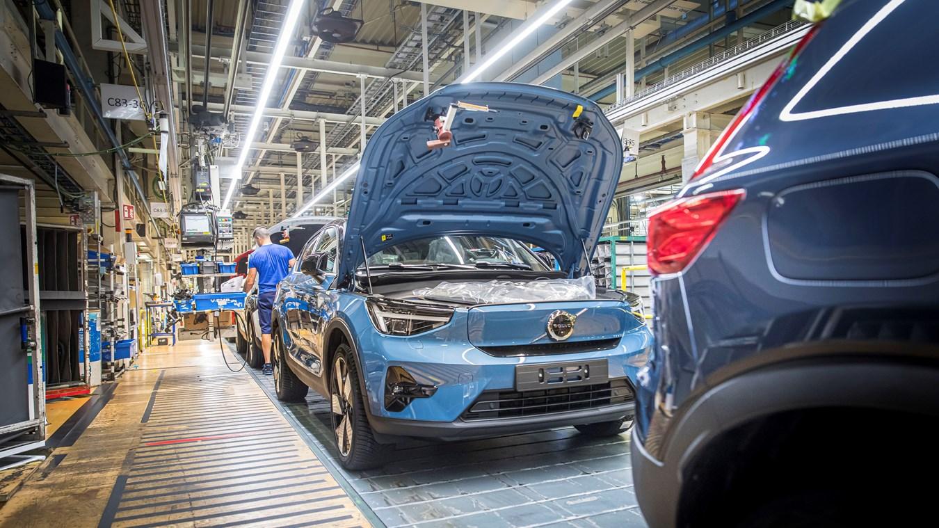 Produktion des neuen Volvo C40 Recharge Pure Electric beginnt in Gent