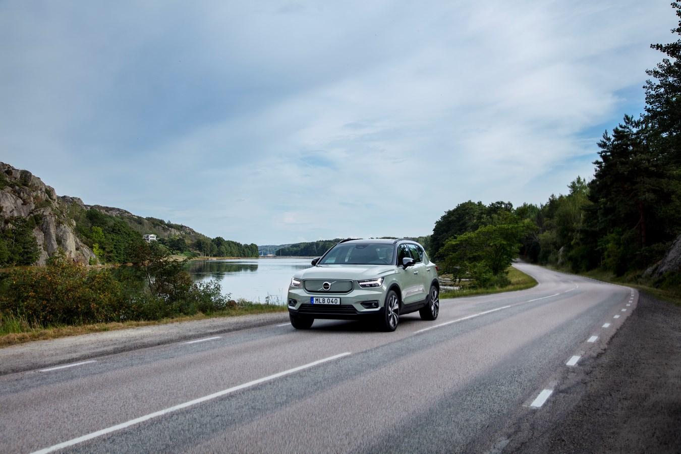 Les experts sécurité de Volvo Cars plaident en faveur de la technologie pour assister les conducteurs et limiter les distractions
