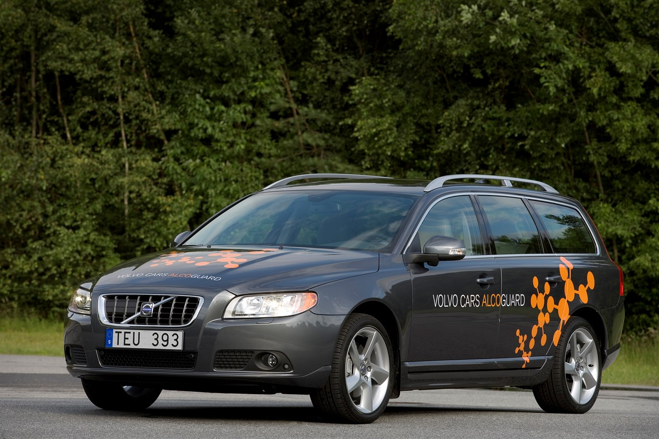 Volvo Cars launches new Alcoguard to help reduce the number of alcohol-related road accidents ...