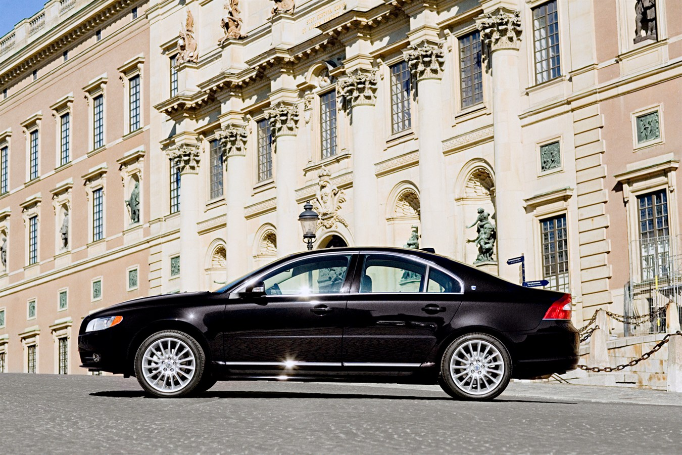 Massage and ventilation elevate the volvo s80 and xc90 executive to the next level volvo car group global media newsroom