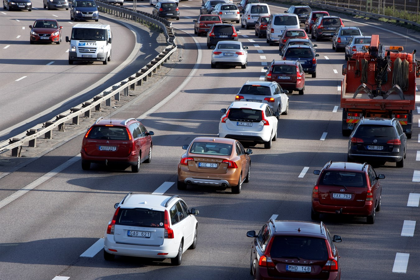 Volvo Car Group initiates world unique Swedish pilot project with