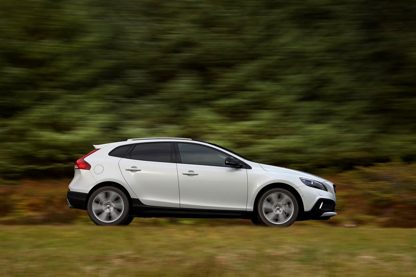 Volvo V40 Cross Country - model year 2015 - Volvo Cars Belux Media Newsroom
