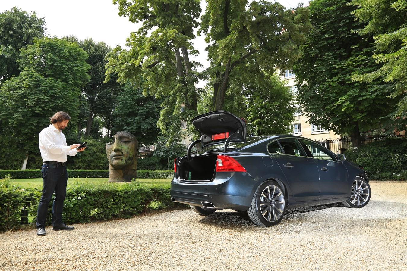 Volvo Cars « livraisons itinérantes » FEVAD Paris 26 juin 2014