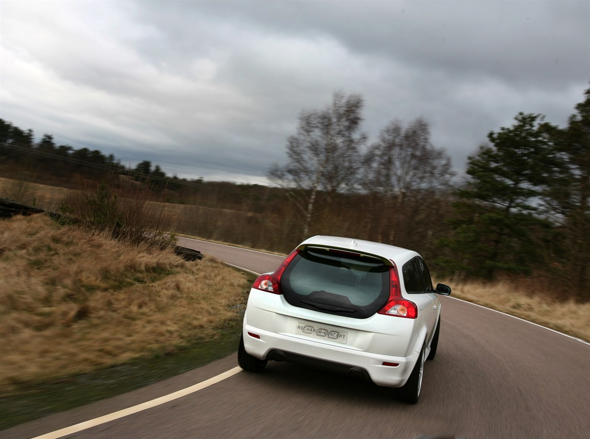 Volvo ReCharge Concept, a plug-in hybrid