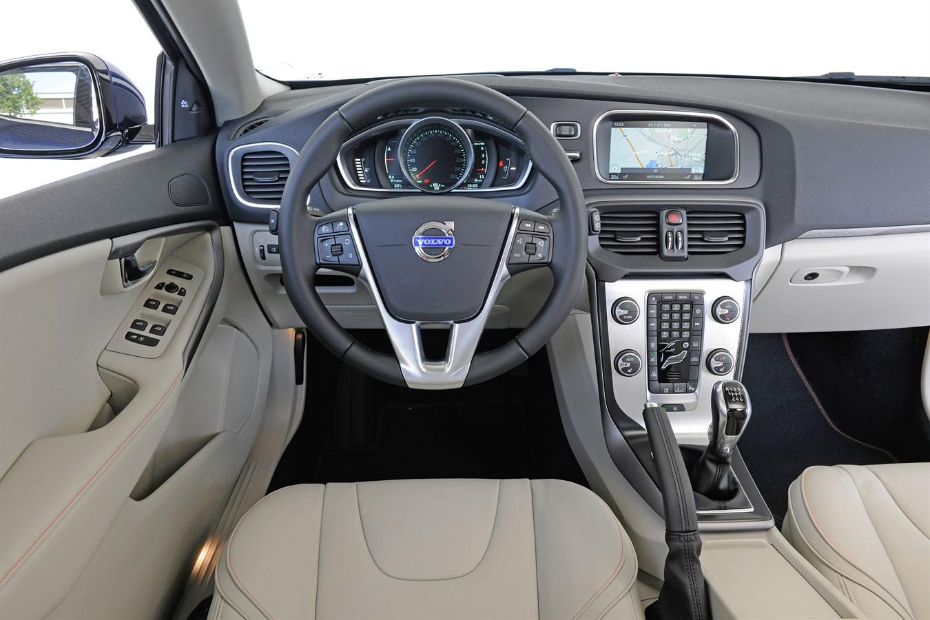 Ongebruikt Volvo V40 Cross Country Ocean Race Edition - Volvo Car Austria BS-22
