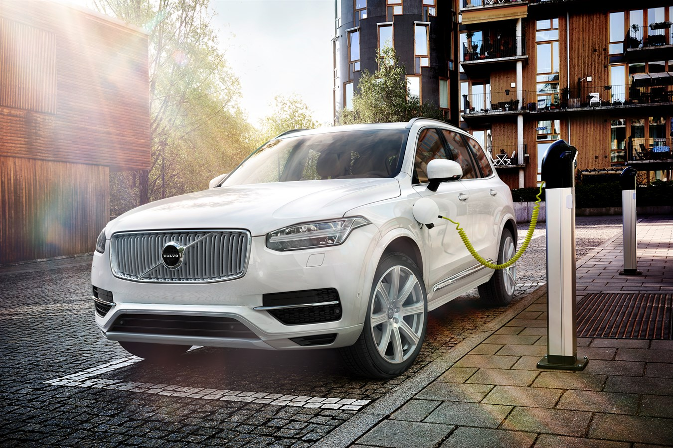 Volvo Cars Introduces Twin Engine Technology In World S Most Ful And Cleanest Suv Car Usa Newsroom