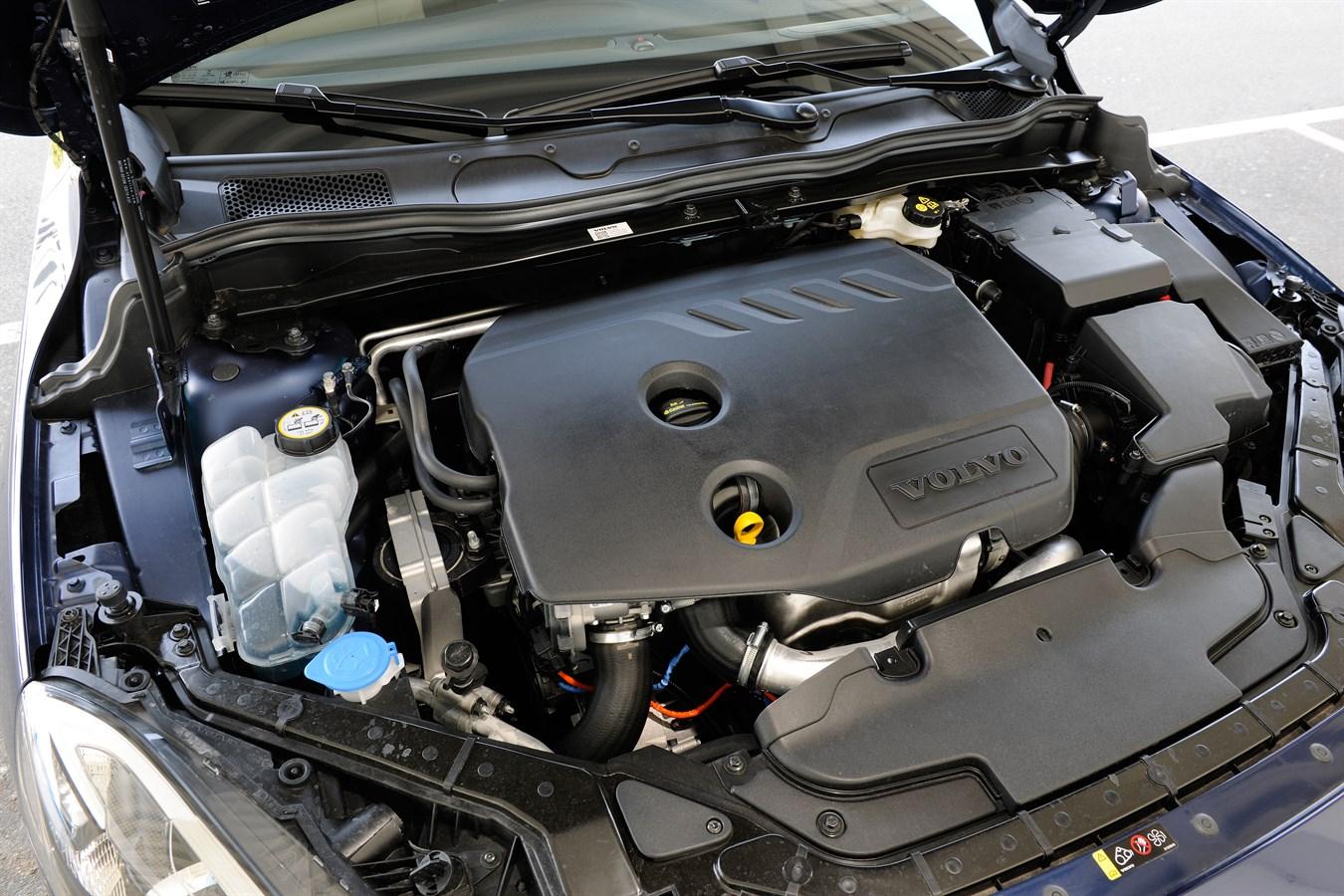 Volvo V60 Cross Country >> Volvo V40 Cross Country Ocean Race Edition - Volvo Car ...