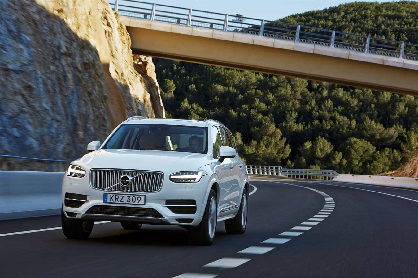 Volvo announces pricing of all new xc90 t8 twin engine plug in electric hybrid volvo car usa newsroom
