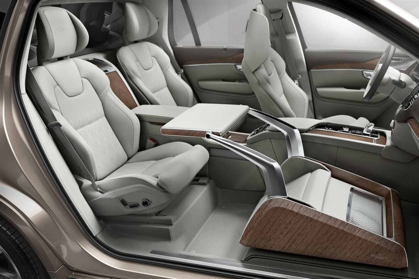 Volvo Cars Takes Luxury To A New Level By Unveiling Lounge Console