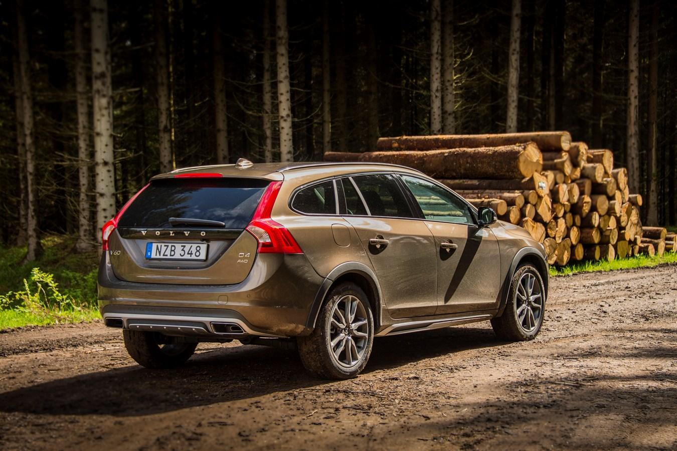 Volvo V60 Cross Country Model Year 2016
