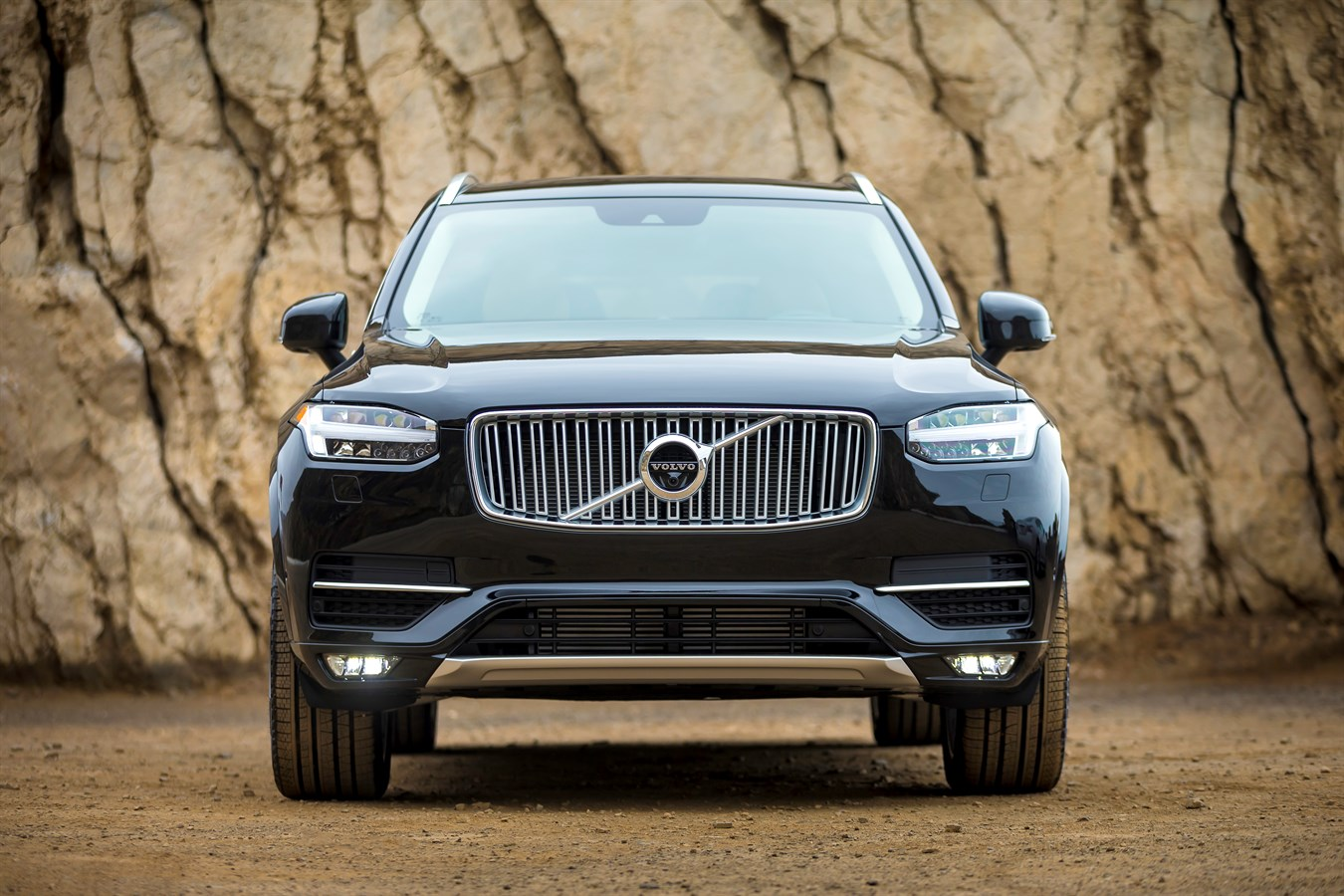 Volvo North America All New Volvo Xc90 Named Finalist For 2016 North American Truck