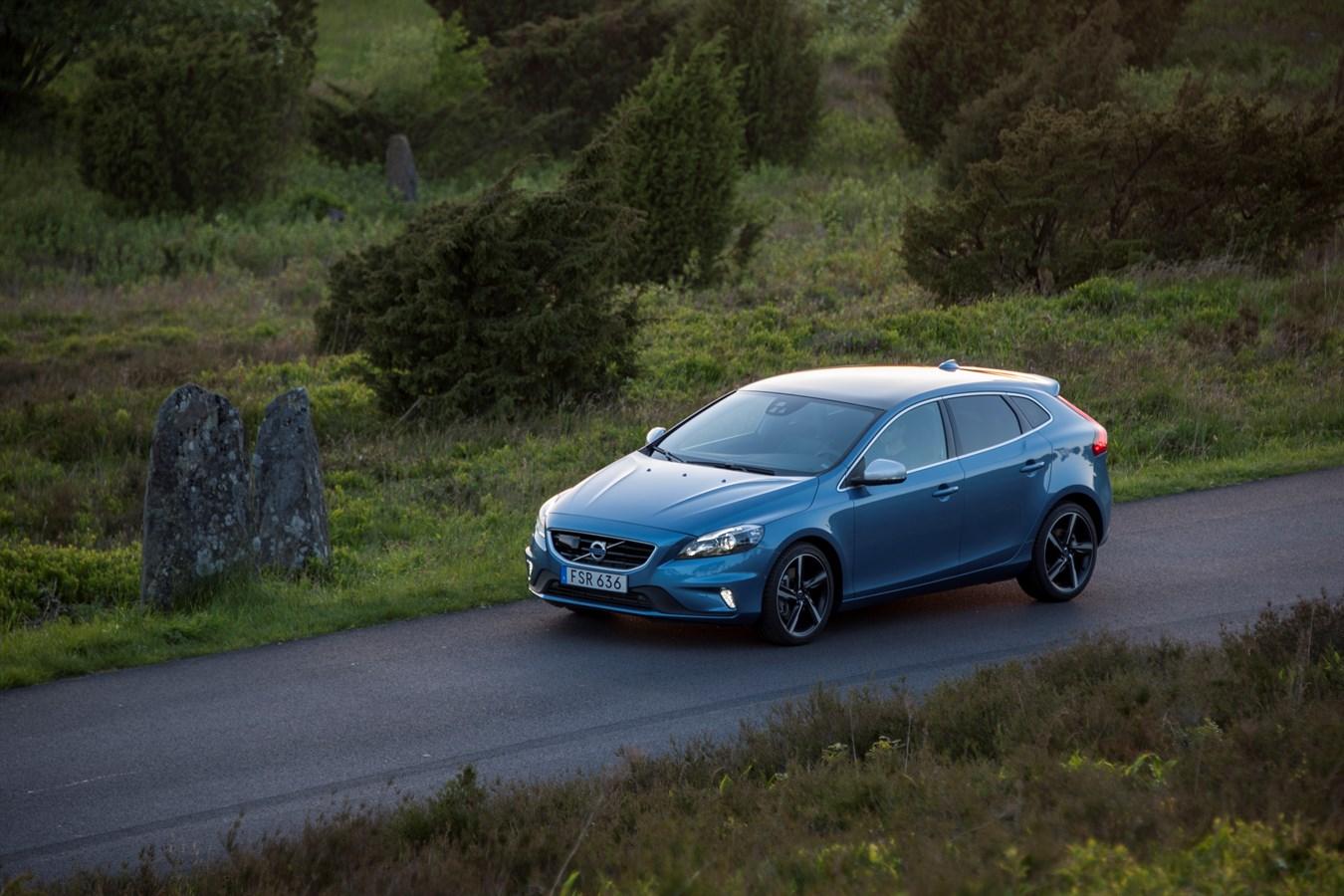 Volvo V40 Model Year 2016 Volvo Cars Global Media Newsroom