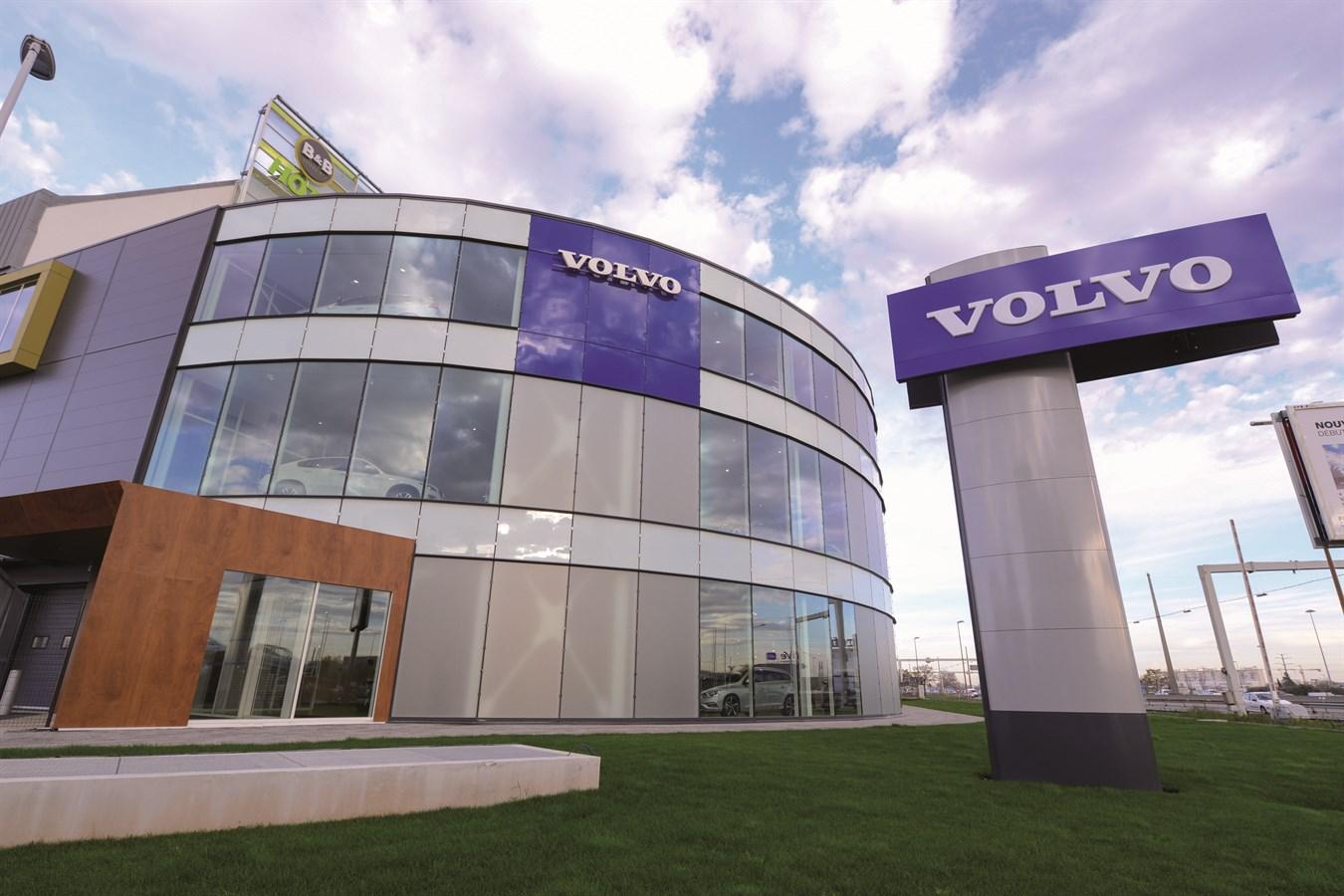 INAUGURATION D'UNE NOUVELLE CONCESSION VOLVO AUX NORMES VRE (VOLVO RETAIL EXPERIENCE) : FELIX FAURE AUTOMOBILES À LYON VÉNISSIEUX
