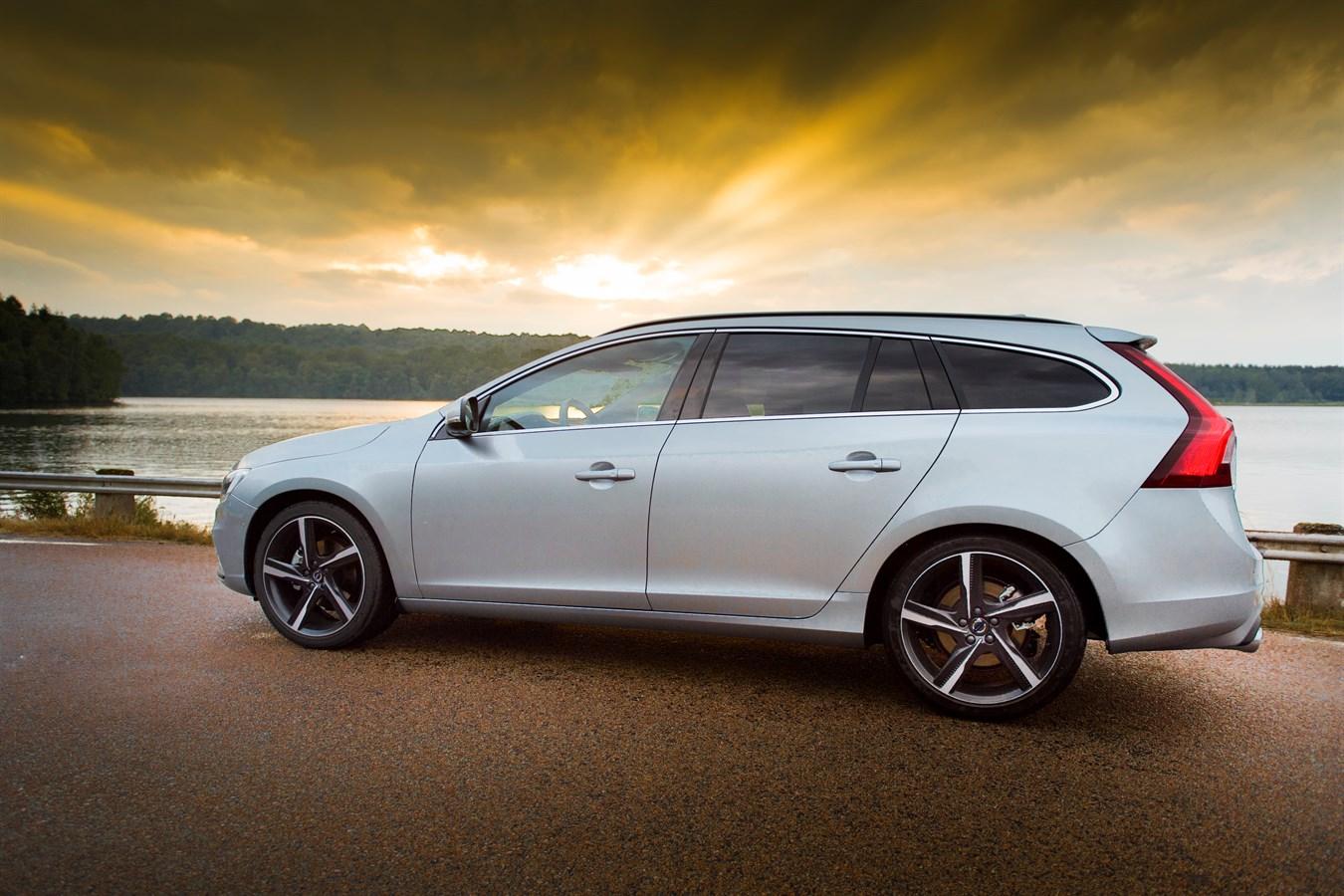 Volvo V60 R Design Model Year 2016