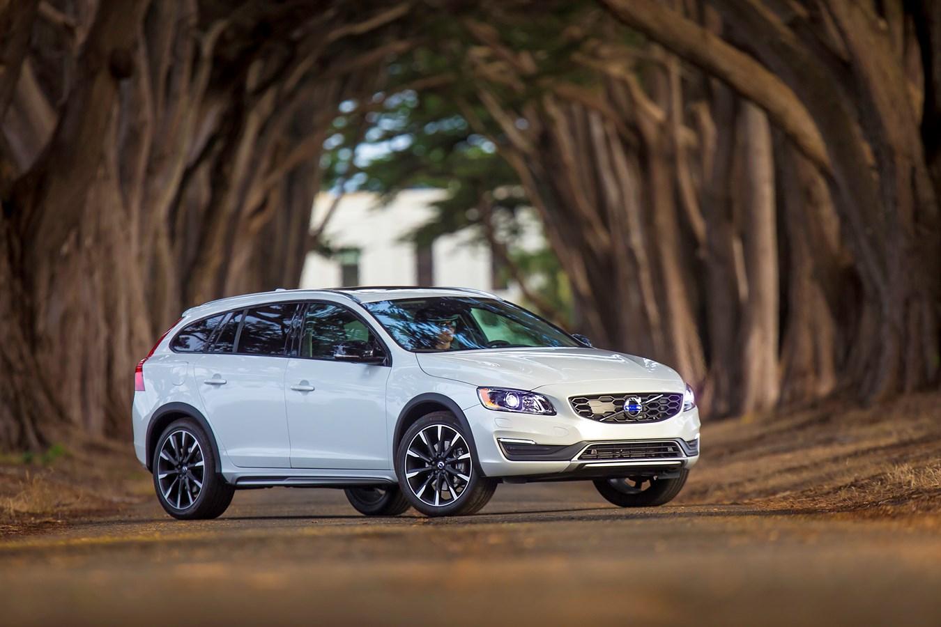 Volvo V60 Cross Country - Volvo Car Group Global Media ...