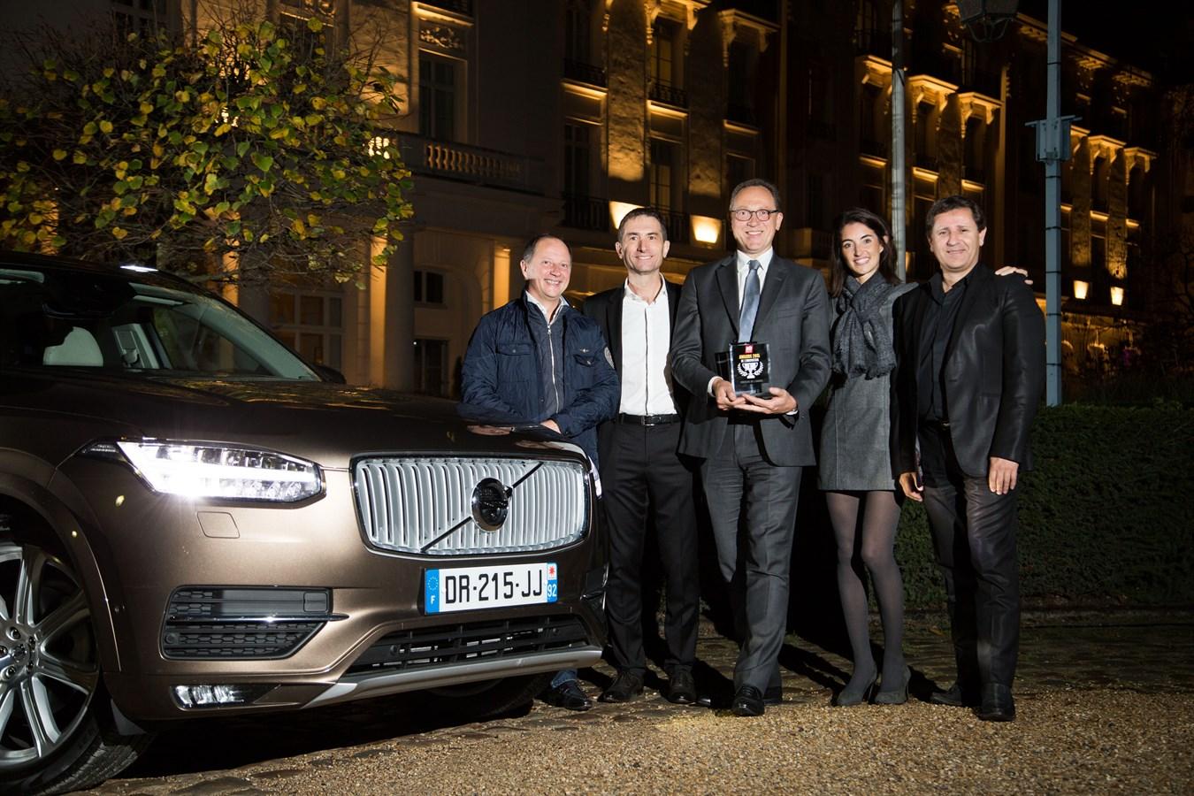 LE TOUT NOUVEAU VOLVO XC90 ELU VOITURE DE L'ANNEE 2015 AUX AWARDS DE L'INNOVATION DU MAGAZINE AUTO MOTO