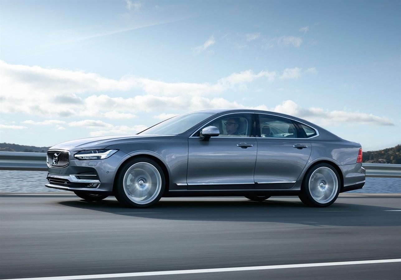 Half profile Volvo S90 Mussel Blue
