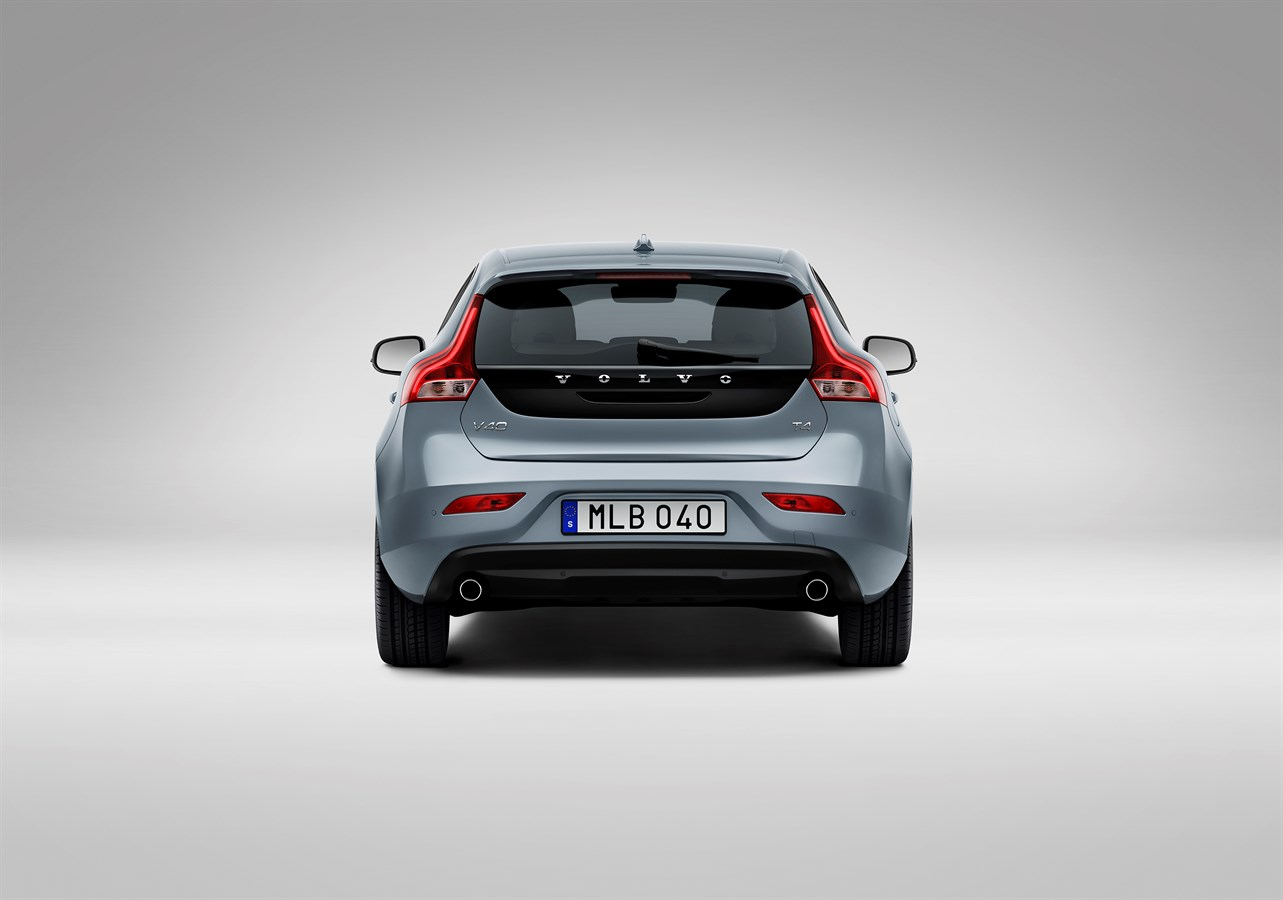 Volvo Cars gives the new face of Volvo to the V40 (UK information) - Volvo Car UK Media Newsroom