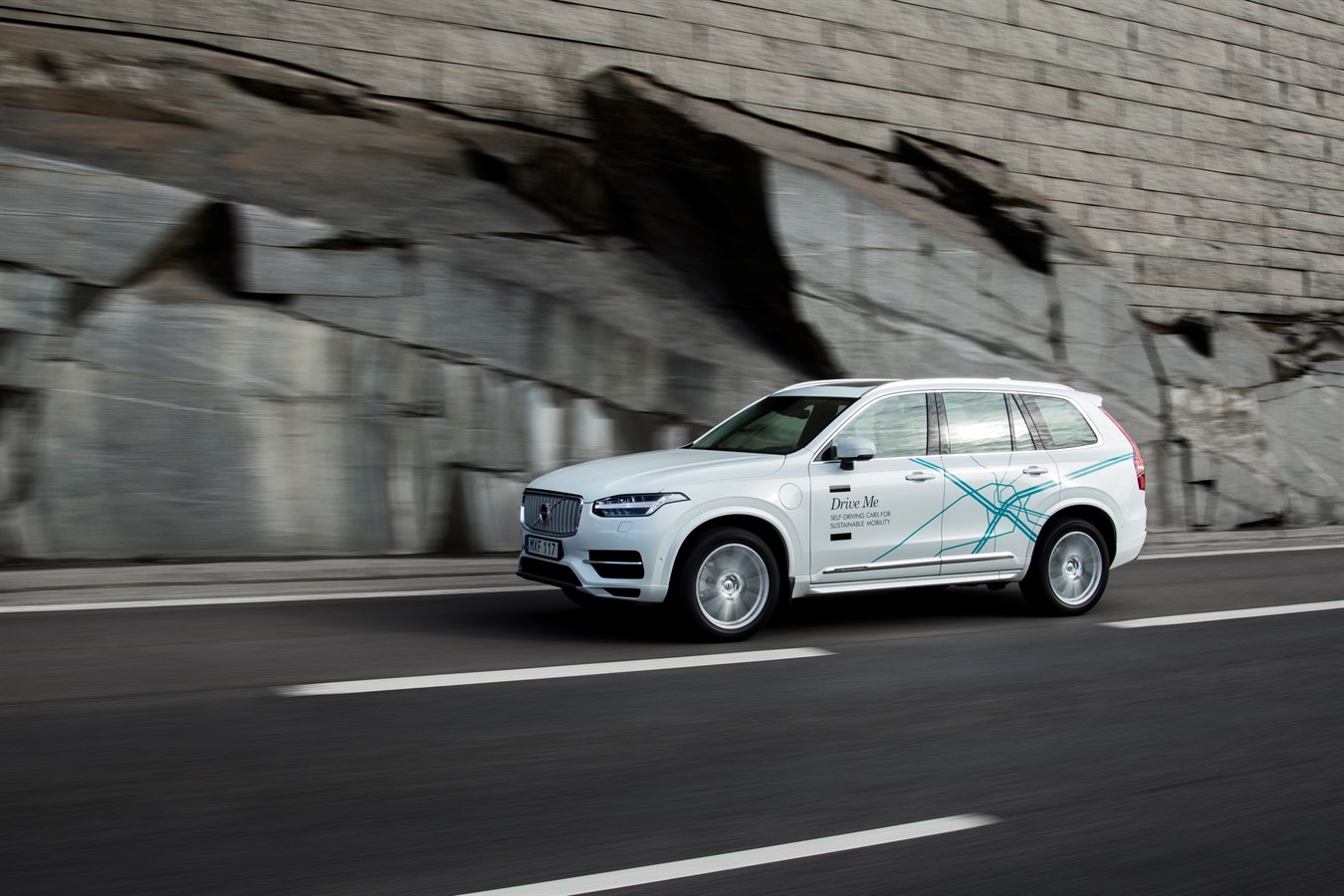 Volvo Cars and Uber join forces to develop autonomous