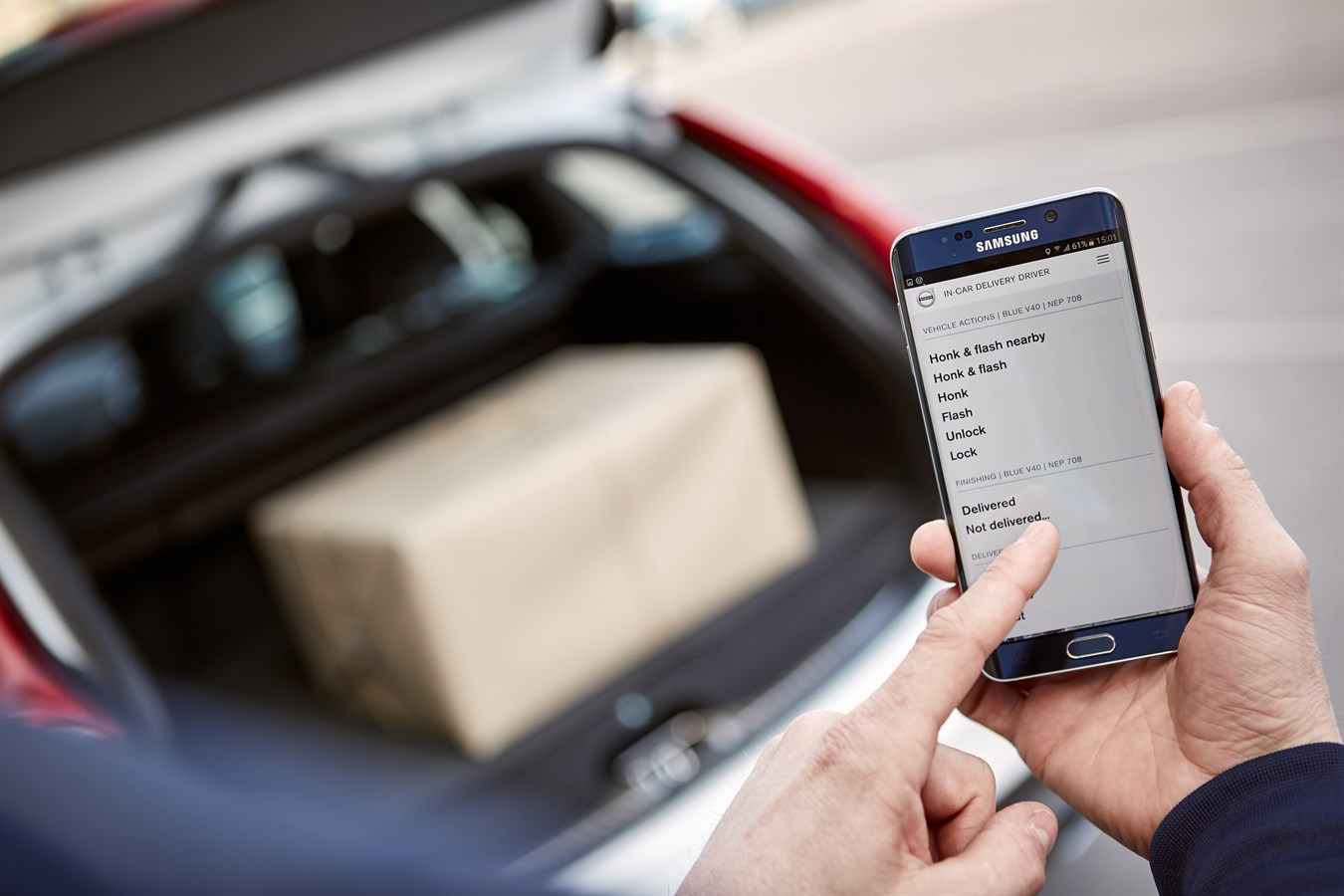 Volvo Cars pioneers two-hour in-car delivery service with Swedish ...