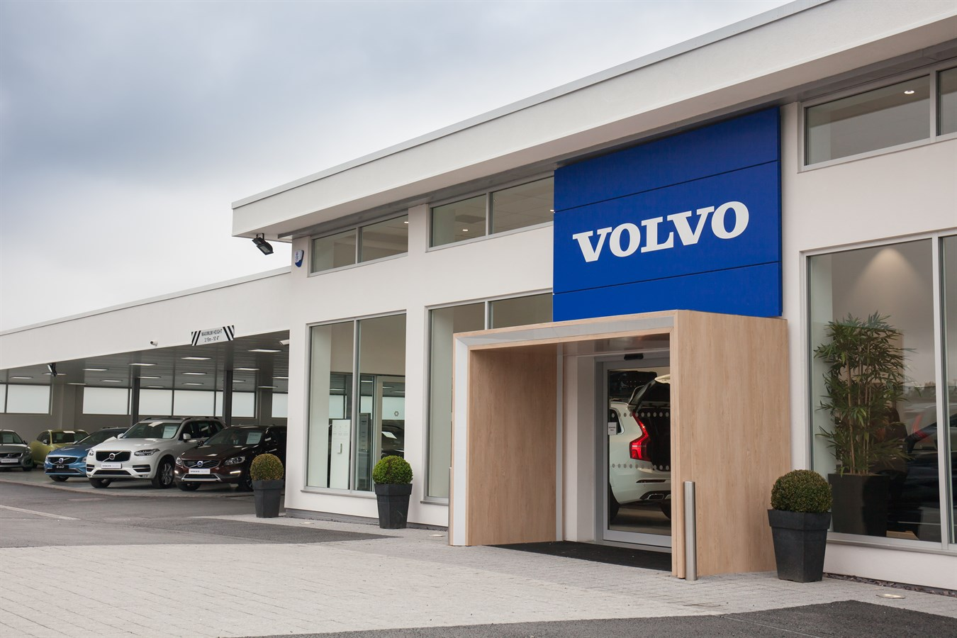 Volvo invests in the UK motor trade with the launch of its 'Sponsored Dealer' programme - Volvo ...