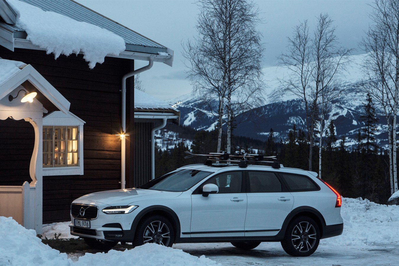 Volvo Cars and Tablet Hotels open secluded Get Away Lodge ...