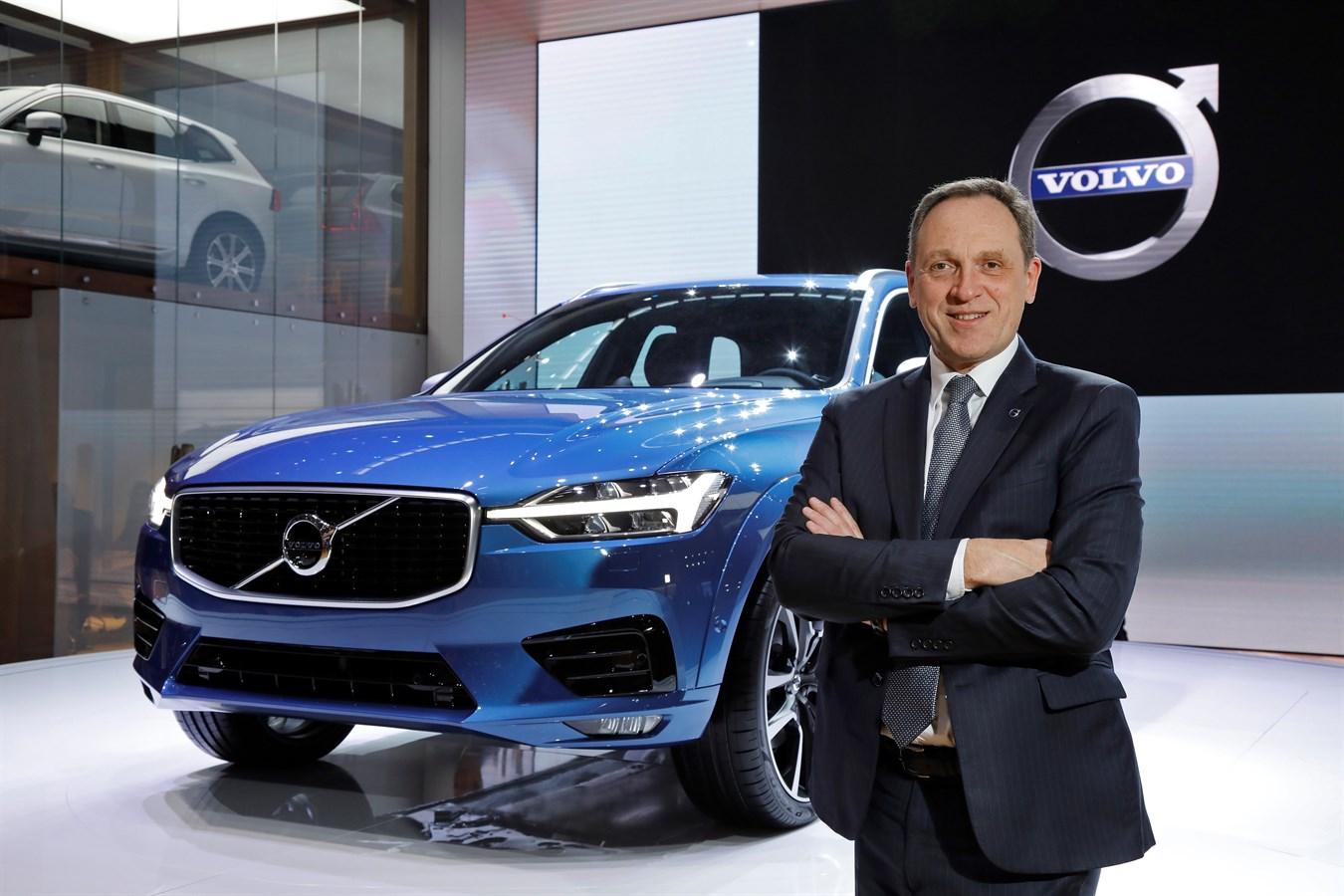 Nouveau Volvo XC60 & Yves Pasquier-Desvignes, Président, Volvo Car France, Salon de Genève - 7 mars 2017 photo@Ace Team pour Volvo Car France, usage presse et réseaux sociaux exclusivement