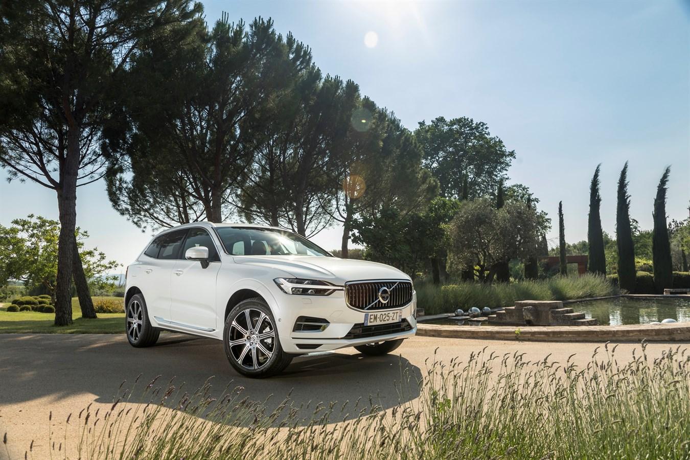 Nouveau Volvo XC60 T8 Twin Engine Inscription Luxe - Blanc Cristal métallisé 707
