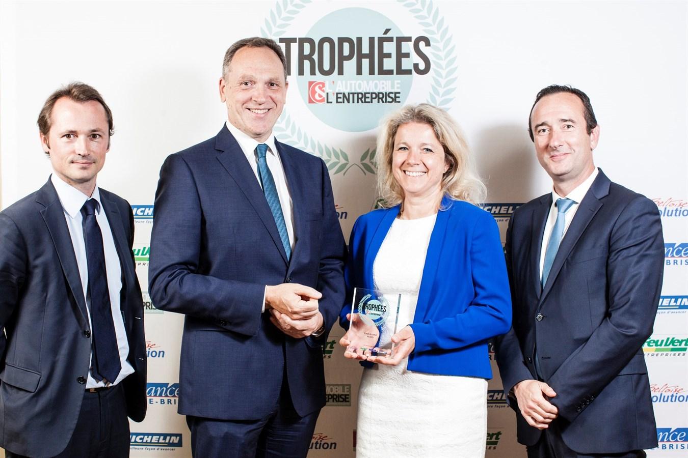 Trophée Coup de Coeur du Jury L'Automobile et L'Entreprise le 4 juillet 2017 : Yves Pasquier-Desvignes, Président Volvo Car France et l'équipe Volvo Fleet Sales