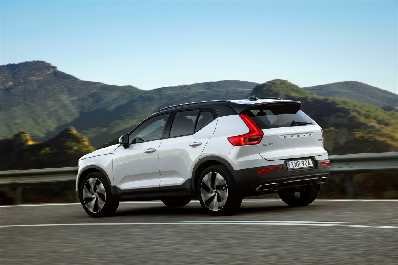 The New Volvo Xc40 Makes Its Cinematic Debut In Warner Bros Pictures And Mgm S Upcoming Motion