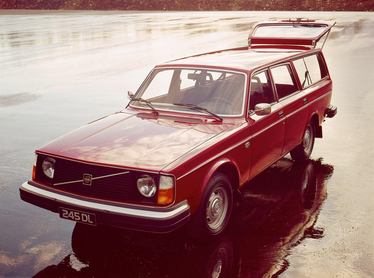 Volvo 240 A Swedish Icon Turns 40 Volvo Voitures De Canada