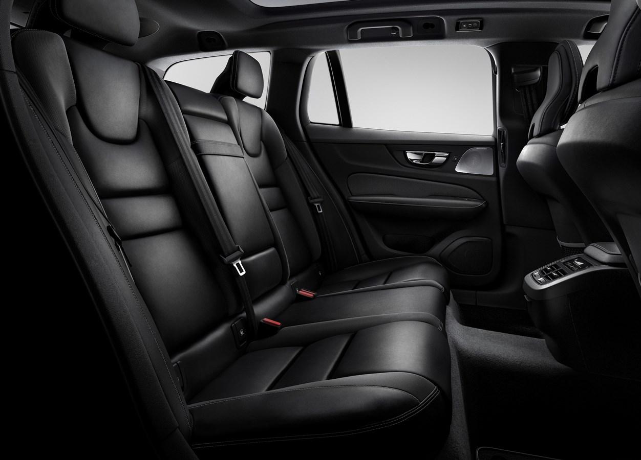Volvo V60 2020 interieur passagiersruimte