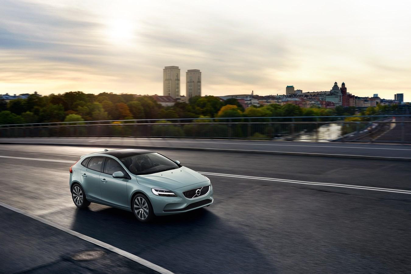 Volvo propose une nouvelle V40 ultra-équipée avec la V40 Signature Edition