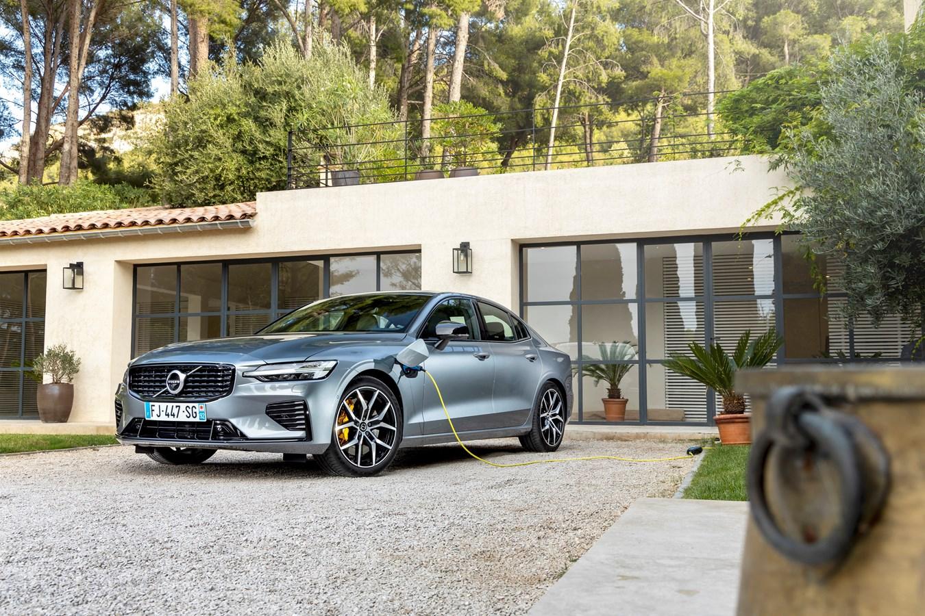 Nouvelle Volvo S60 T8 Twin Engine Polestar Engineered Gris Osmium Métallisé - Extérieur
