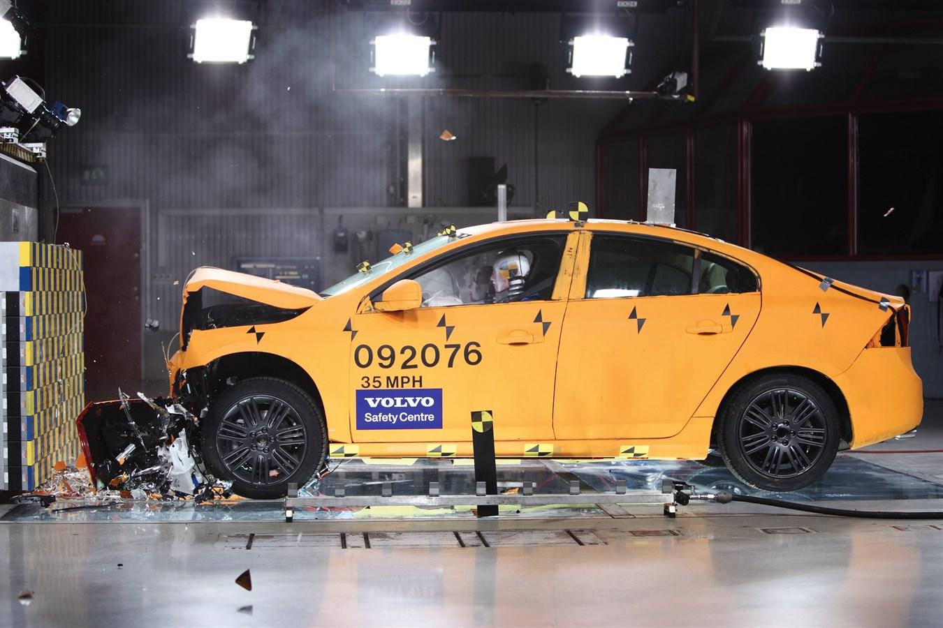 Volvo s60 crash test