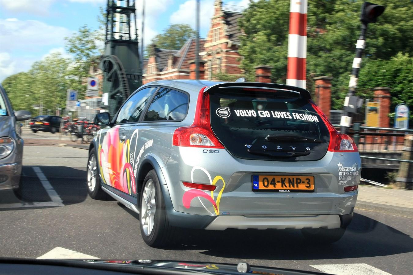 Volvo fashion week работа для девушки в элисте