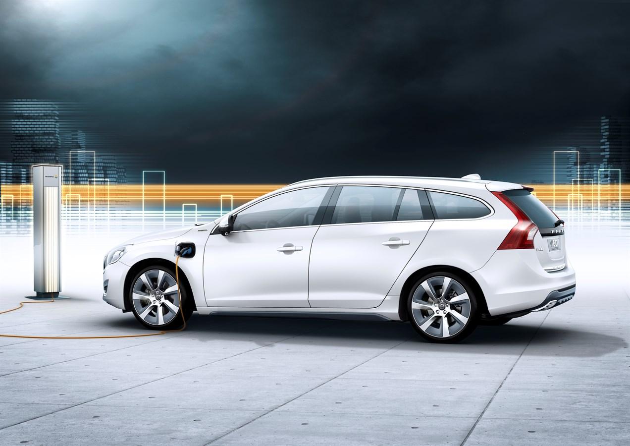 The volvo v60 plug in hybrid same world class safety as other volvo cars volvo car group global media newsroom