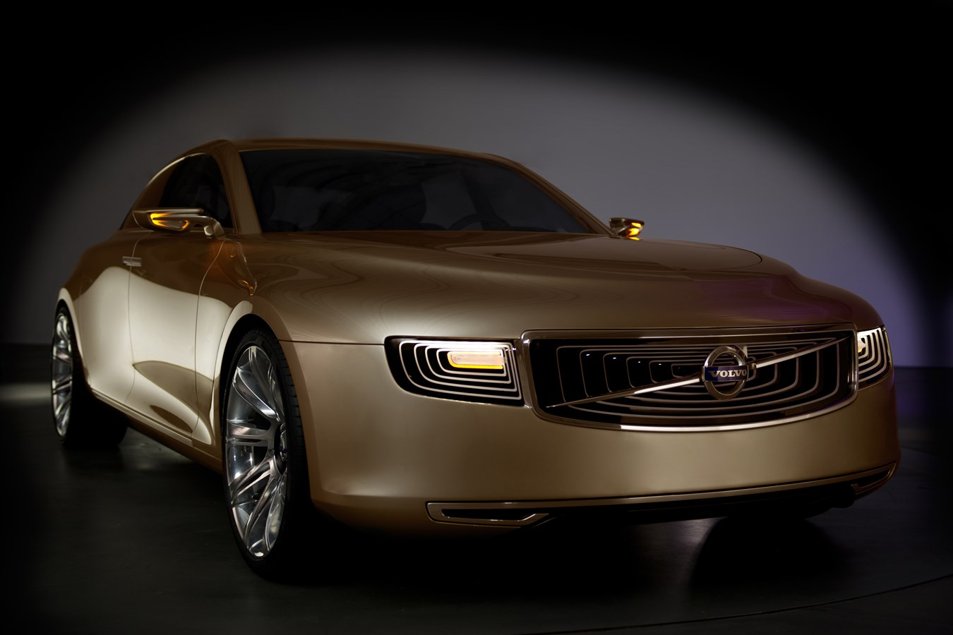 Volvo Concept Universe, front/side