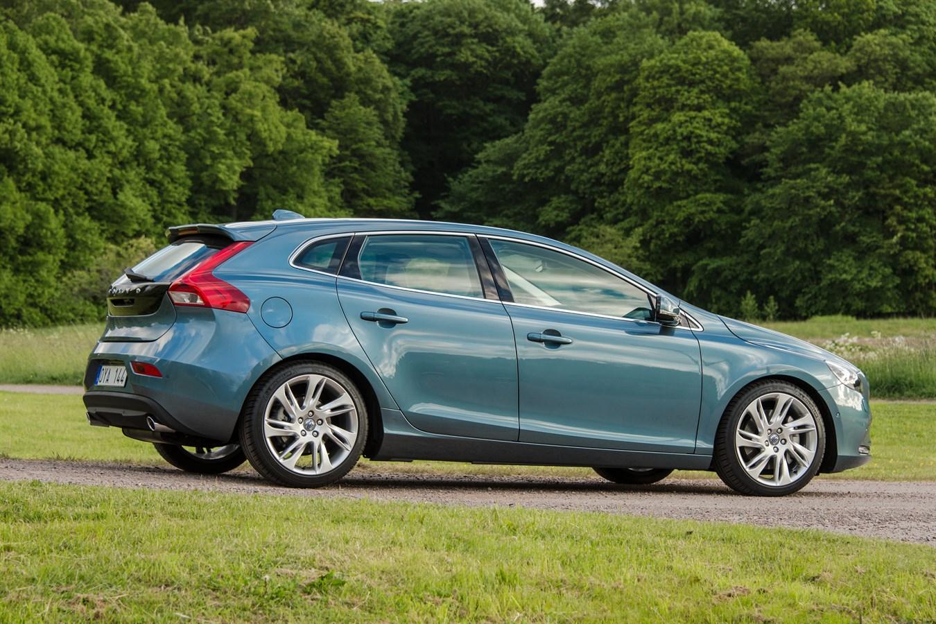 Volvo v40 2014