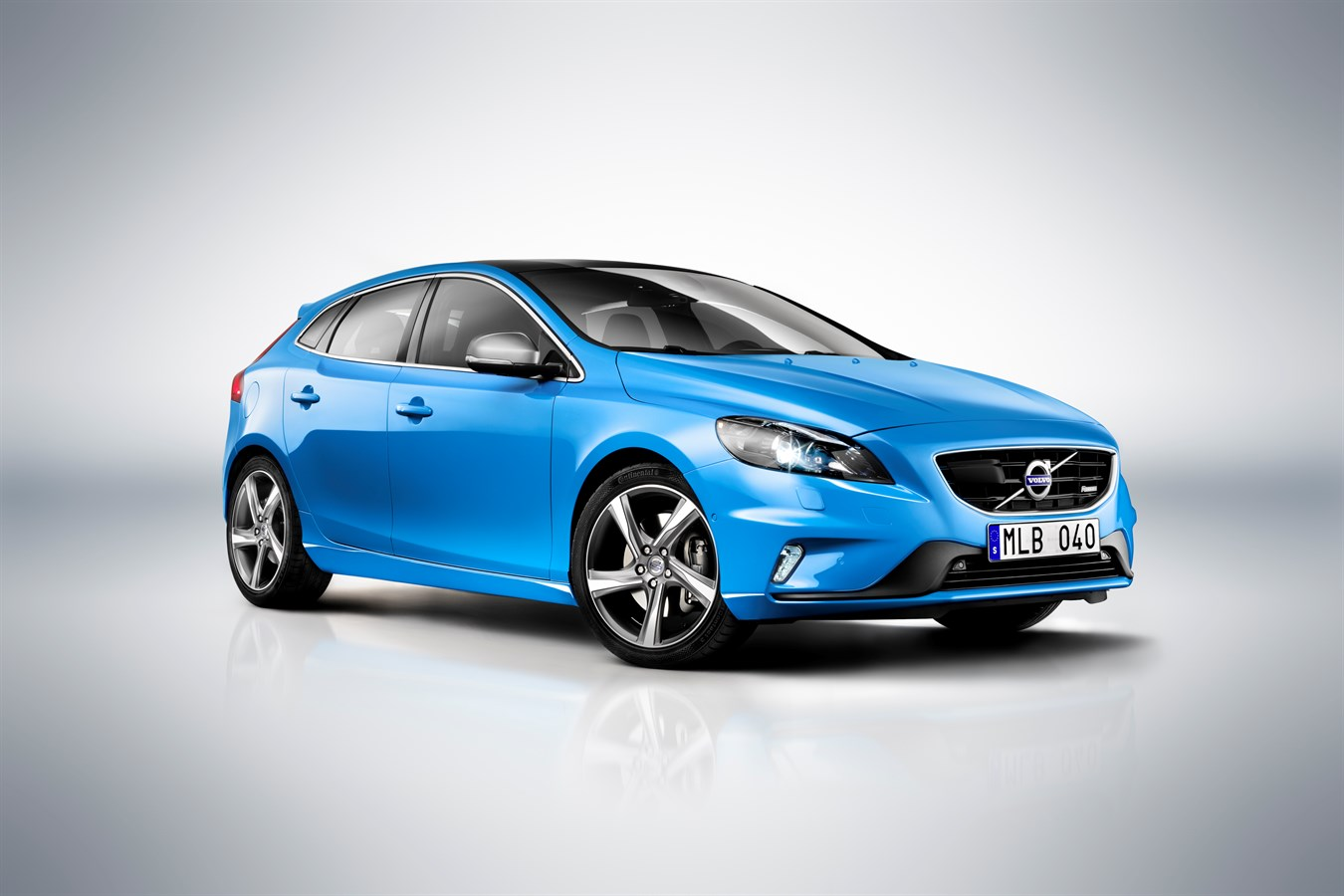 Volvo Car Corporation Launches V40 R Design Dynamic Look And Agile