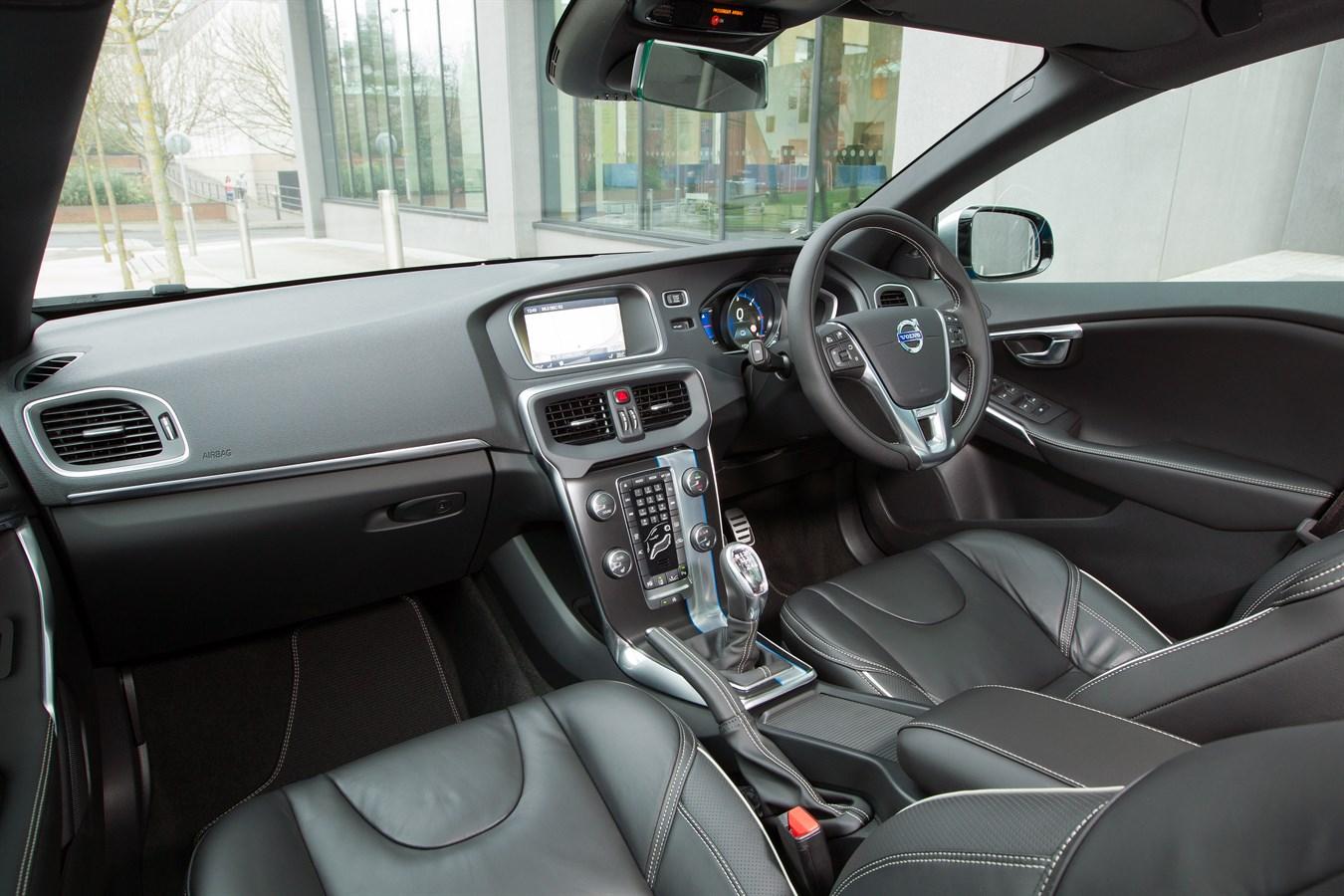interior dashboard image of the all new volvo v40 r design volvo car uk media newsroom. Black Bedroom Furniture Sets. Home Design Ideas
