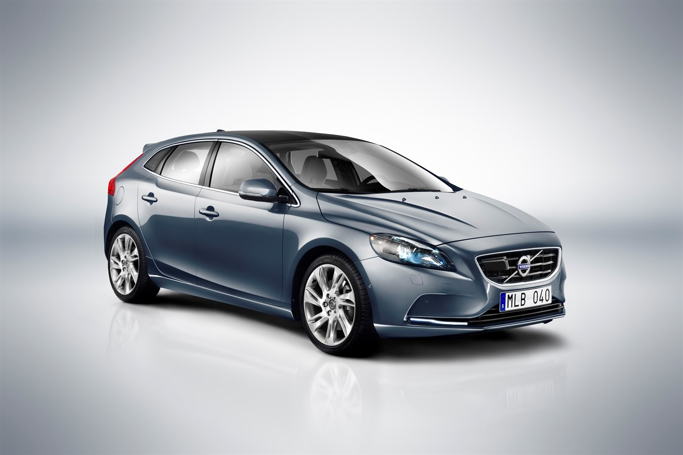 Volvo Car Group launches external, car-enveloping airbag technology