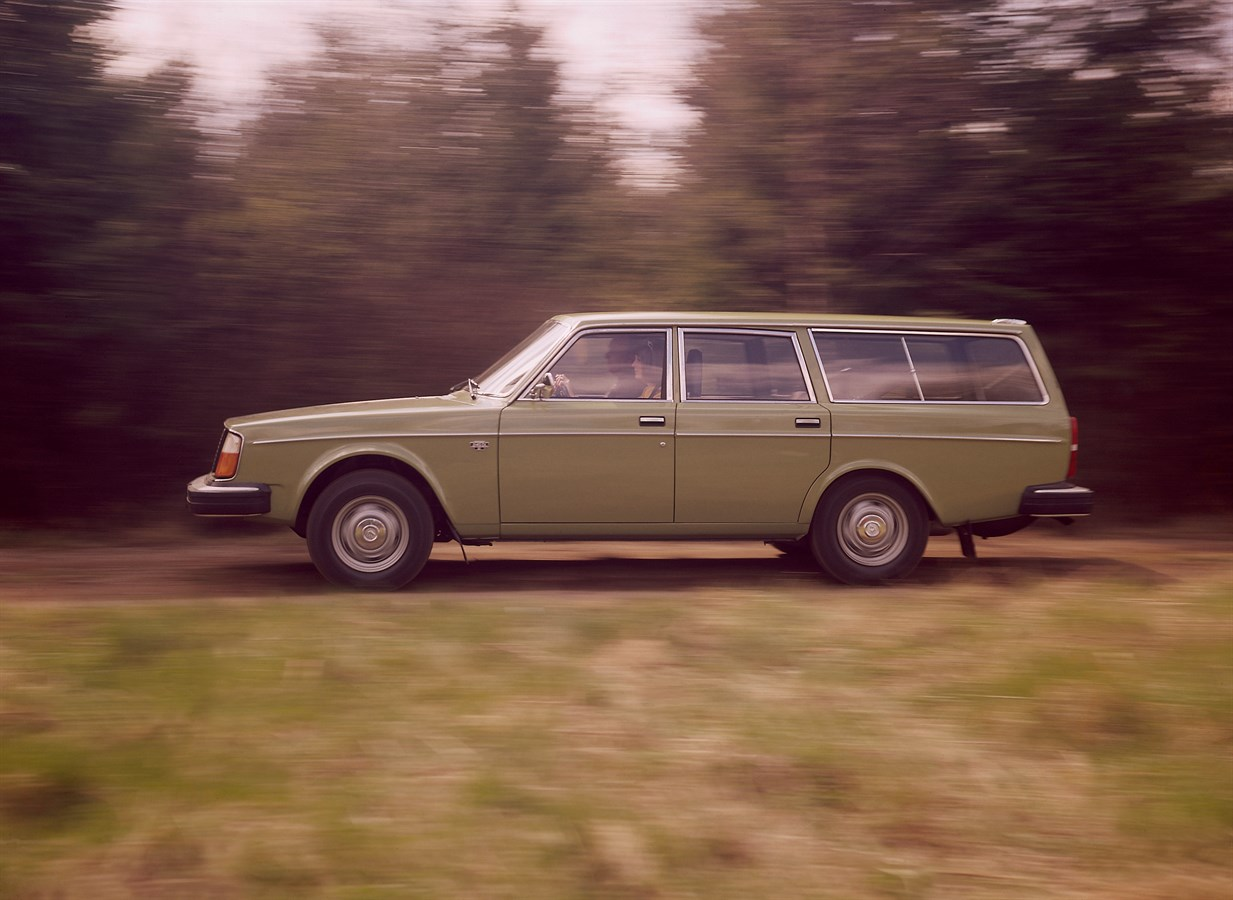 Through the years the volvo 240 was produced in a range of different versions in addition to two four and five door versions there was also an