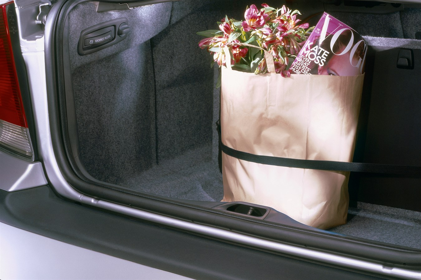 Volvo S60, Load/Grocery bag holder - Volvo Car Group ...