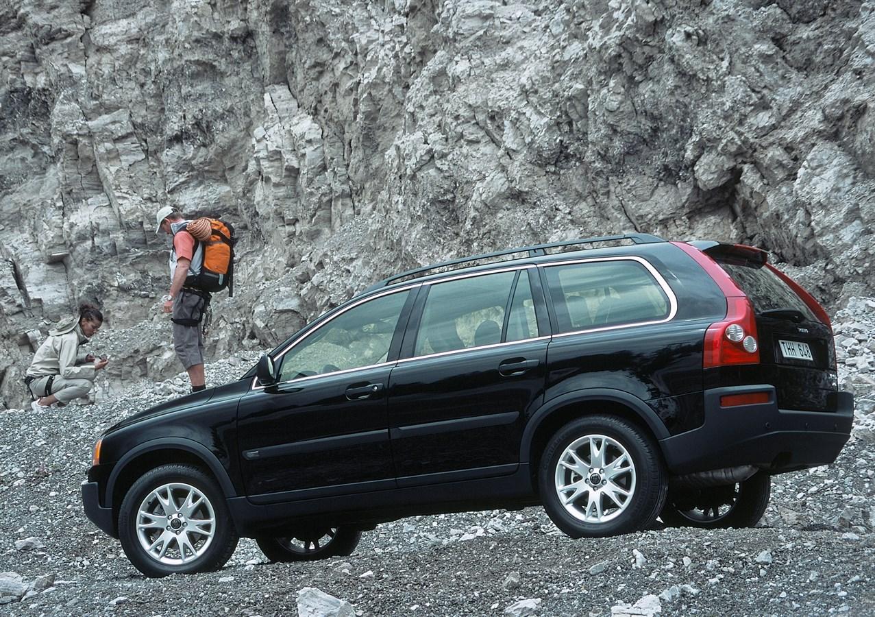Detroit auto show 2003 volvo xc90 volvo s60 r and v70 r volvo car group global media newsroom