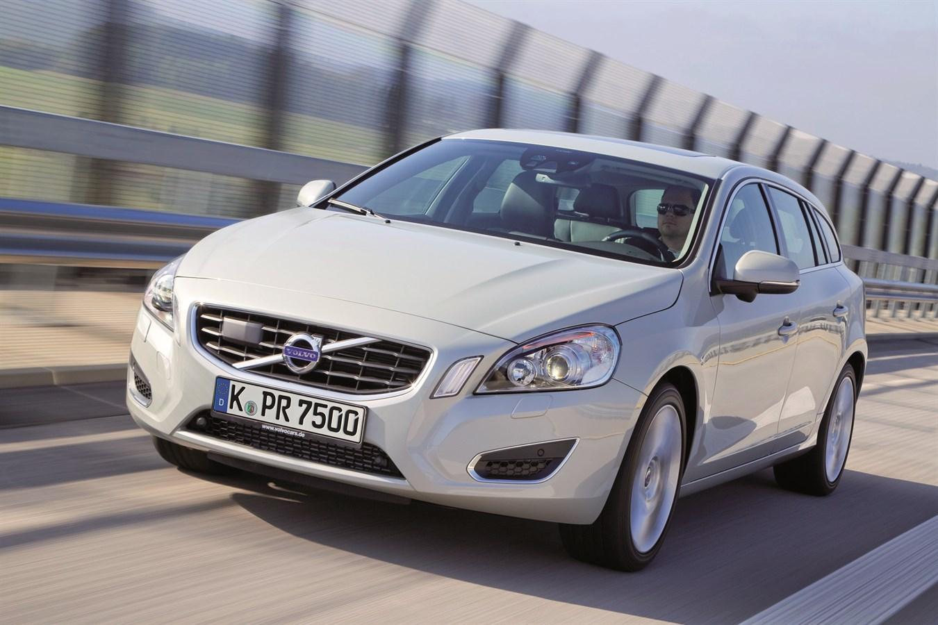volvo car corporation 39 s emergency brake assist wins in adac comparison test volvo car group. Black Bedroom Furniture Sets. Home Design Ideas