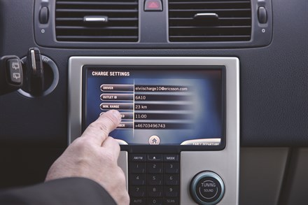 Volvo Car Corporation partner in development of smart charging concept for electric cars